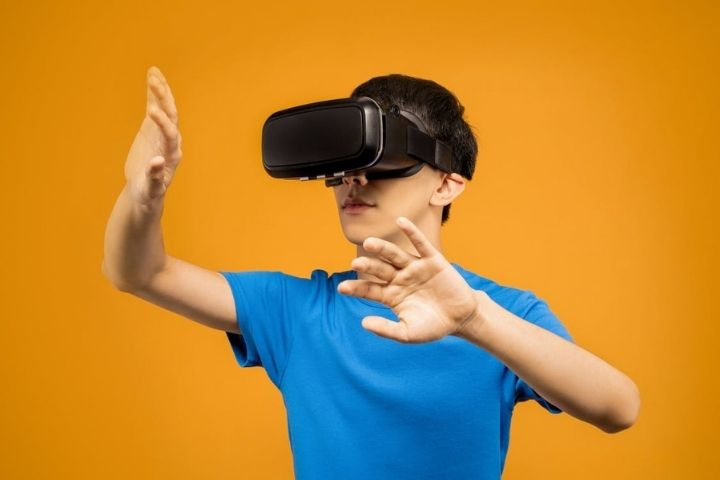 Virtual Reality-Virtual Reality-Augmented-and-Mixed - The-Revolution